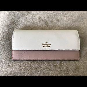 Wallet/cream & light pink/used once/8in.W 4in.H